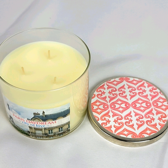 Bath and body works paris daydream candle